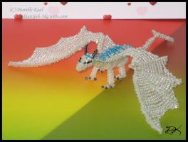 Beaded  Snow Dragon by Delinlea