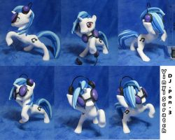 Vinyl Scratch by dustysculptures