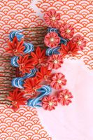 Ryuusui, red leaves and cherry blossoms hair combs by haru-mai