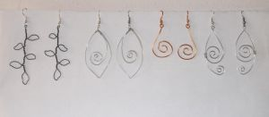 Wire earrings by Esarina