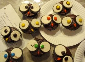 Owl Cupcakes by DreamsWithinMe