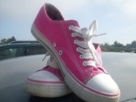Pink Converse by cherrydoveberry