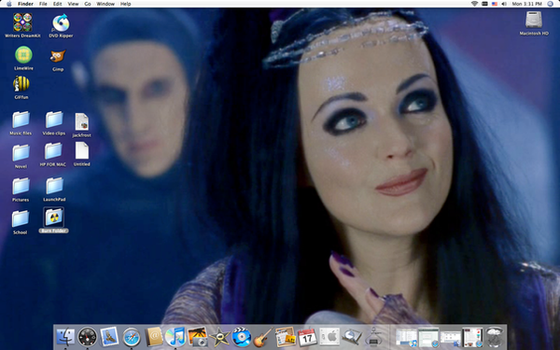 Queen Mab Desktop by SeltzerAddict