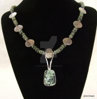 Green Turquoise Necklace by Janski-Designs