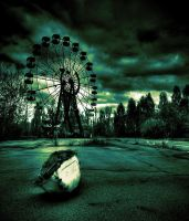 Abandoned Fairground II by MusicOwnsMySoul
