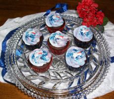 4th of July Cupcakes by LaPetitLapearl