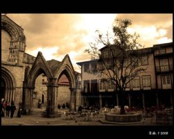 Guimaraes by Luthien-Lossehelin