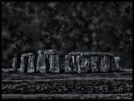 Night Over Stonehenge by avataria