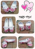 Hand-painted heart shoes by rats-rox