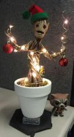 Baby Groot Xmas by DDDIllustrations