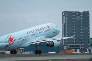 Air Canada A319 lifting off by tdogg115