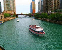 a chicago canal by cottoncandysheep
