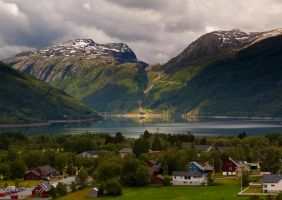 Roeldal, Odda, Norway by studio-toffa