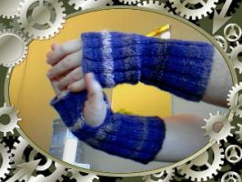 Sabriels Fingerless Wristwarmers by LoveoftheDark