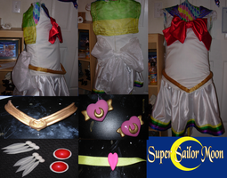 Super Sailor Moon by Upon-a-RemStar