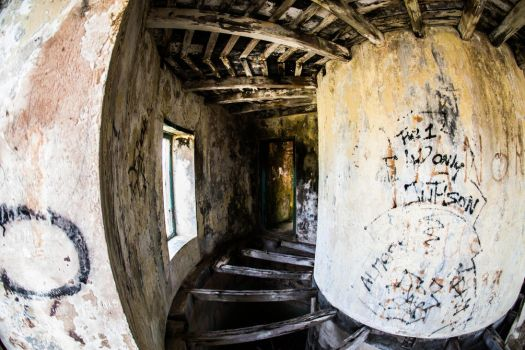 Old Lighthouse - Klein Curacao - Inside by ssabbath