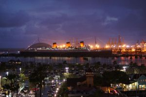 RMS Queen Mary at night by Meernebel