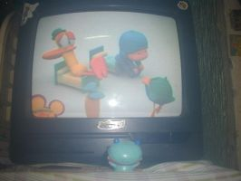 Murumo is watching Pocoyo by murumokirby360