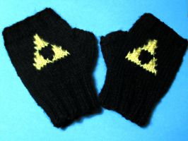 Zelda Triforce Gloves by Chargingrhinos13