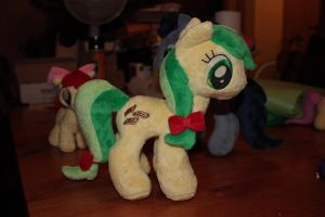 Apple Fritter Plushie by Siora86