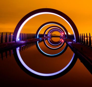 The Falkirk Wheel glows by kharashov