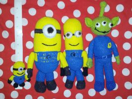 The Minions and the Claw by handfree