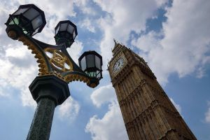 Westminster - Clock and Light by Spyder-art