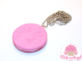 Pink Oreo Necklace by Metterschlingel