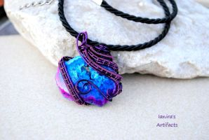 Druzy Agate wire wrapped pendant by IanirasArtifacts
