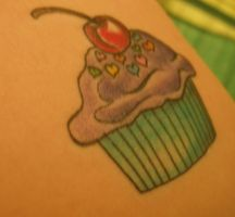 cupcake tattoo by chickengurl4