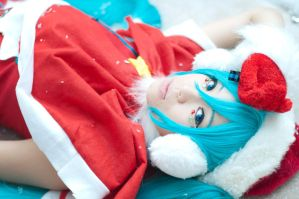 Merry Christmas: Miku by JoyceWL