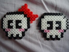 Mr. and Mrs. Skull by PerlerHime