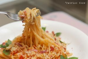 Crispy bacon and bread crumbs on spaghetti 2 by patchow