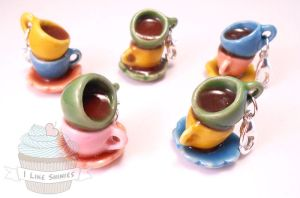 Mad as a hatter tea party necklace by ilikeshiniesfakery