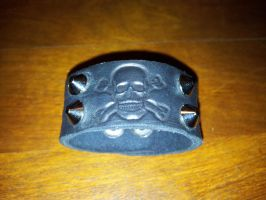 Small leather skull wrist band - closed by siegeandspike