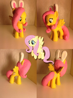Bunnyshy by secondhand-daydreams