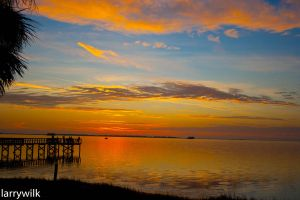 Pier at Sunset by larrywilk