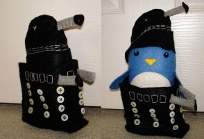 Dalek...with Penguin inside? by plushies-by-chrissie