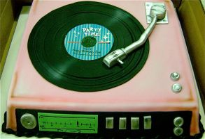 PINK RECORD PLAYER by sadiecake