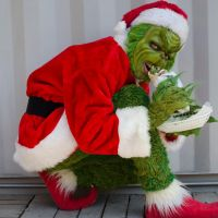 Grinch eating by jerrysponge
