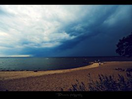 10 min before the storm. by Bunnis
