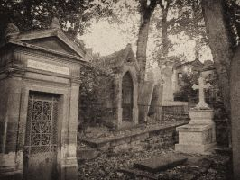 Pere Lachaise XII by gusti-boucher