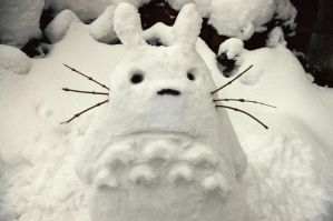 Snow Totoro by DocileGloom