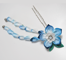 Blue Star Kanzashi by hanatsukuri