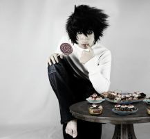 cosplay L Lawliet by sochouquette