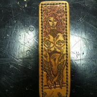 Poison Ivy Magnetic Money Clip by MerrillsLeather