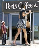 minigiantess Jordana Brewster coffee house by lowerrider