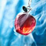 Poisoned apple by EliseEnchanted