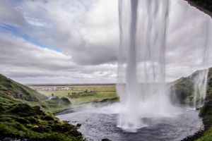 Seljalandsfoss by GuadianAngel