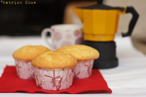 Vanilla cupcakes 2 by patchow